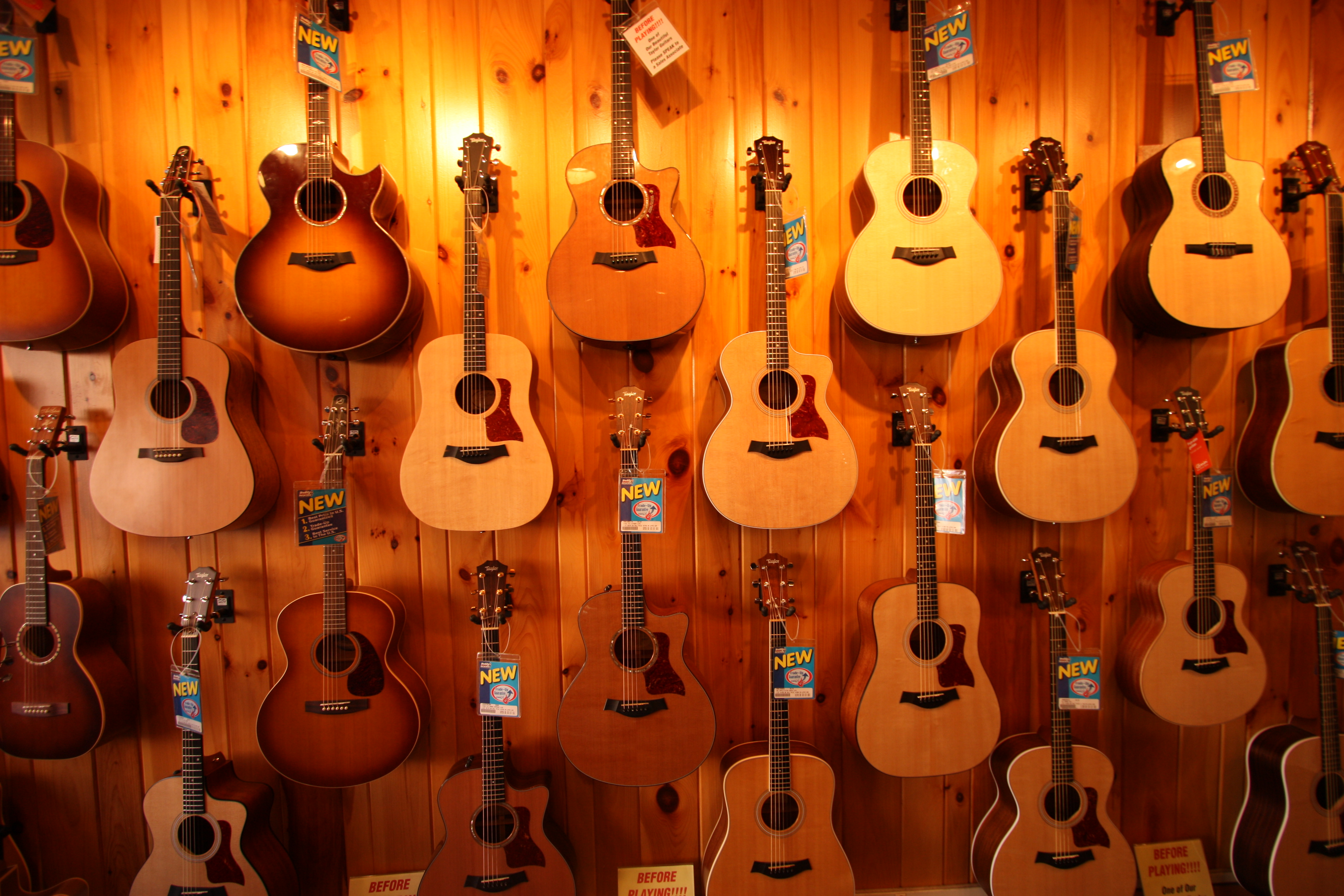 How to Choose A Good Acoustic Guitar