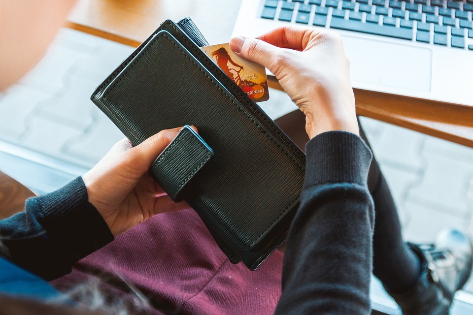 7 Virtually Stress Free Ways To Pay Off Your Debts