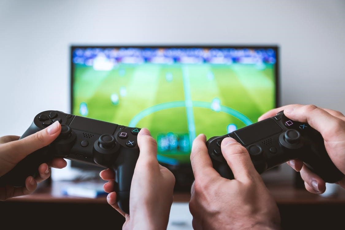 6 Video Games You Play With Your Kids