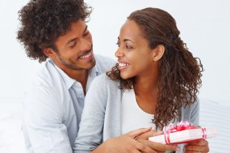 4 Great Gifts Ideas for Wifey on Your Anniversary