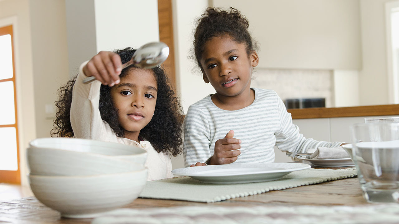 4 Ways to Involve Your Kiddos in Your Household Tasks