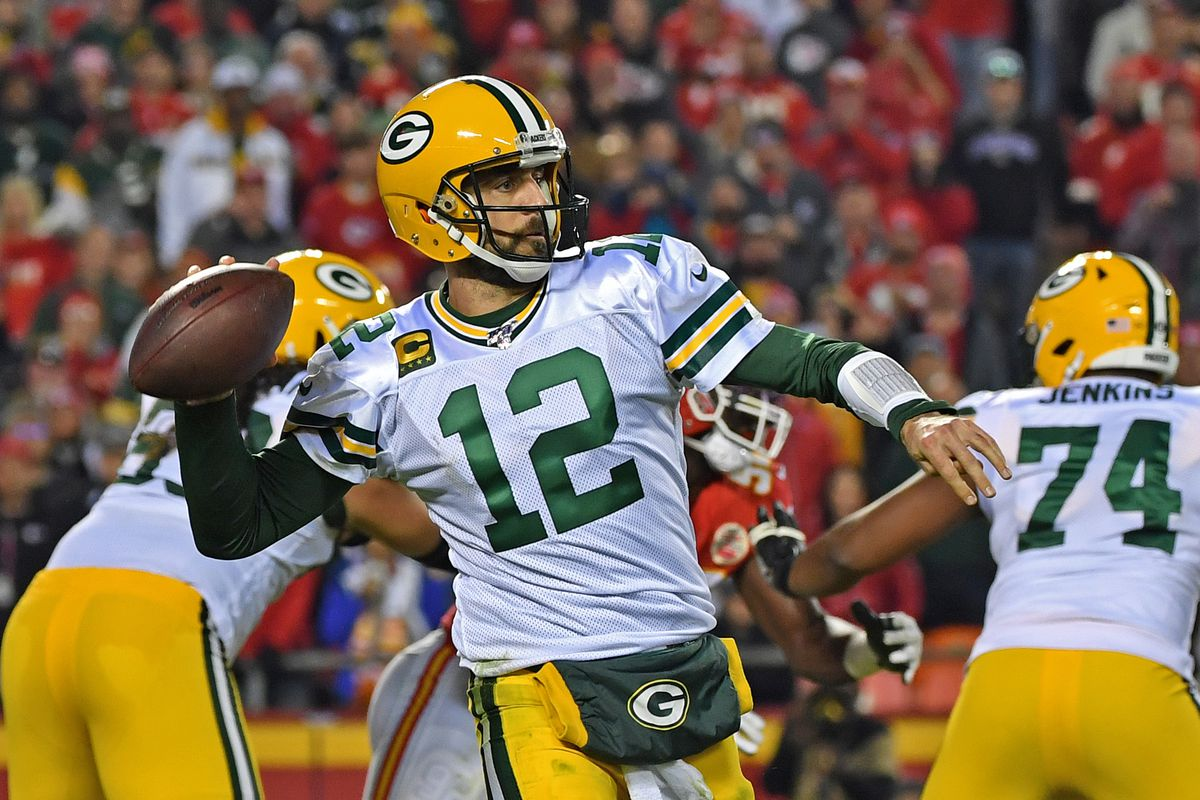 Packers Edge Chiefs in Competitive Battle Sunday Night