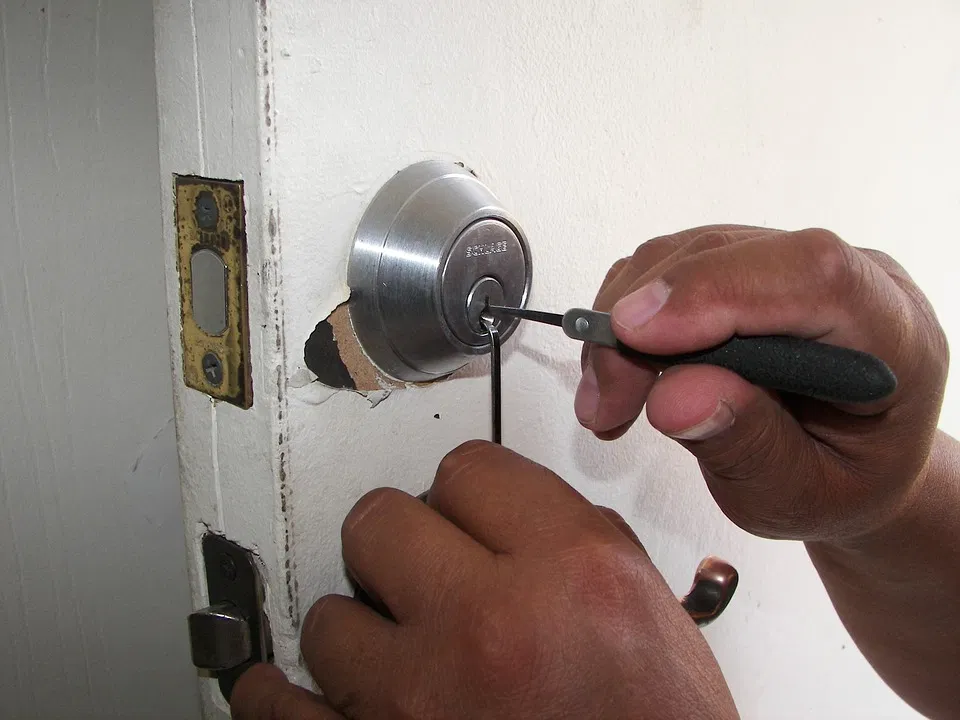 12 Helpful Ways Finding an Affordable Locksmith in Milwaukee