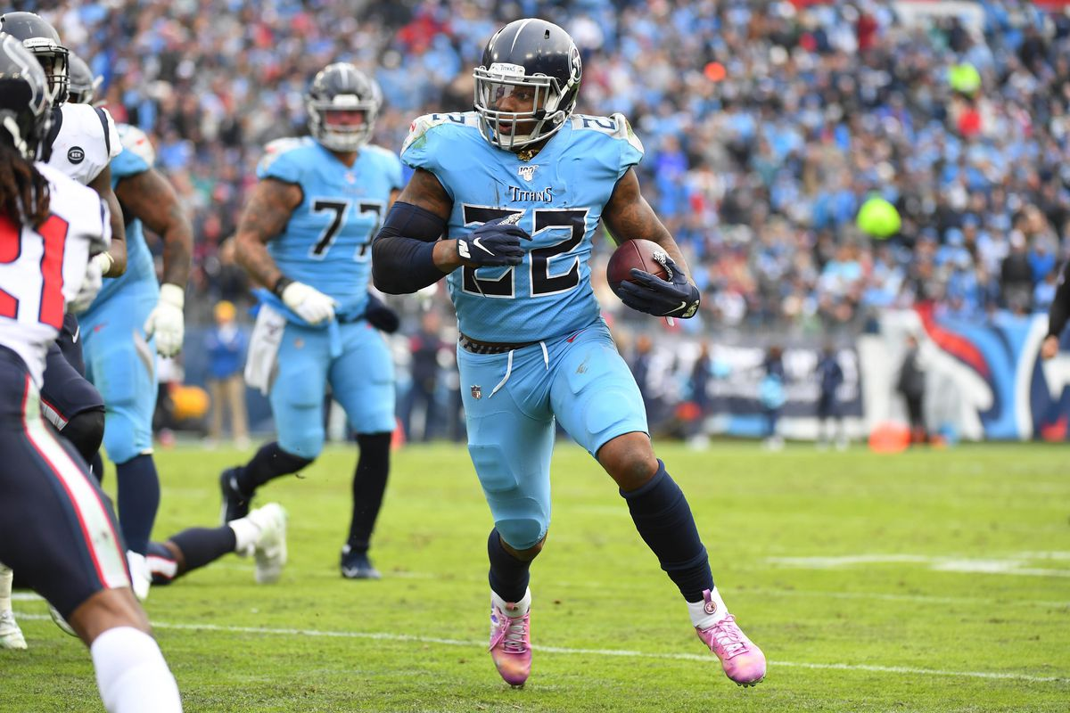 Derrick Henry Signs 4 Year Deal to Remain in Tennessee