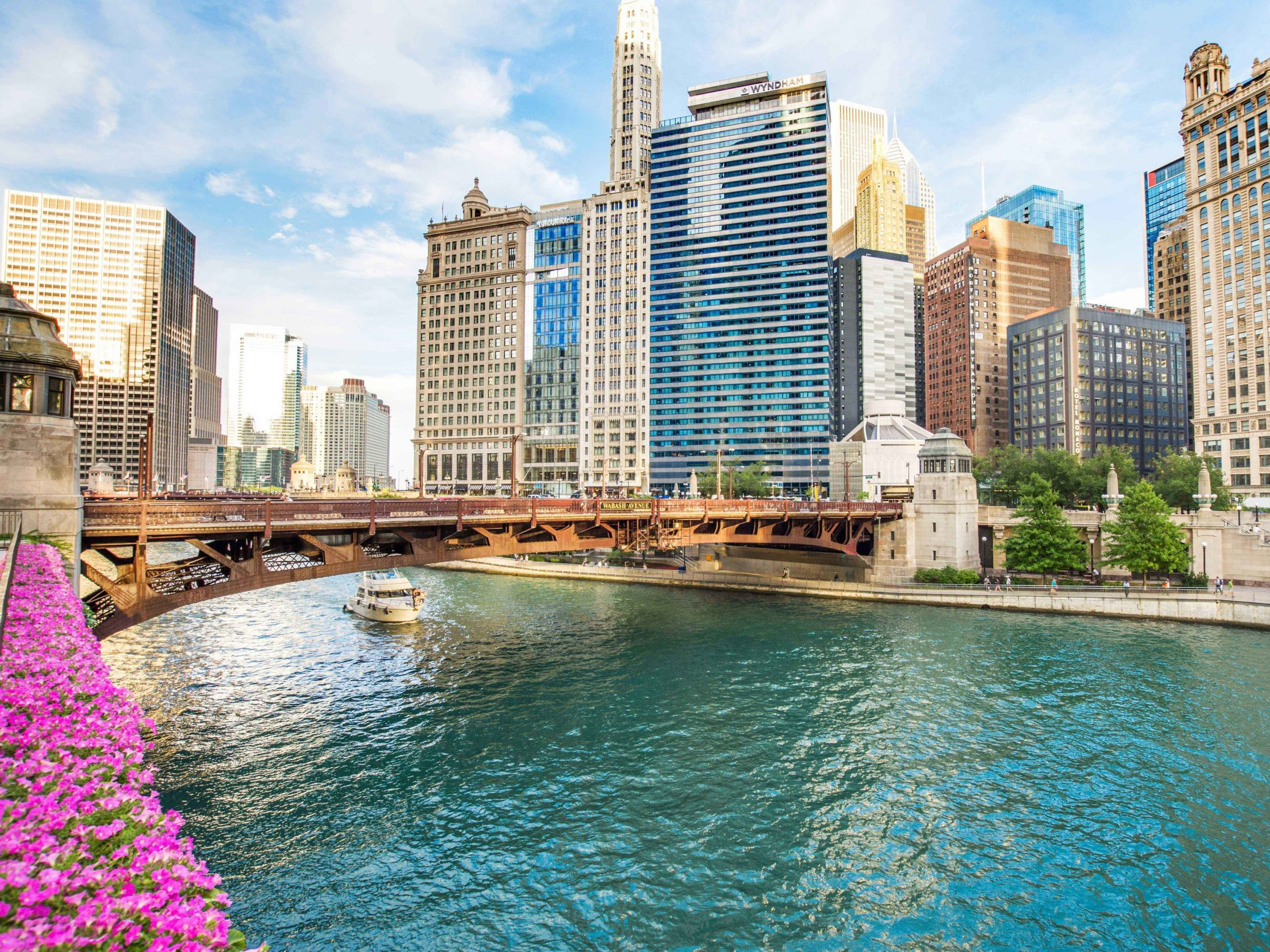 6 Reasons Why You Should Consider Moving to Chicago