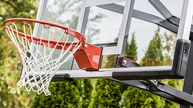What Are The Best Basketball Hoops & Backboards For The Yard?