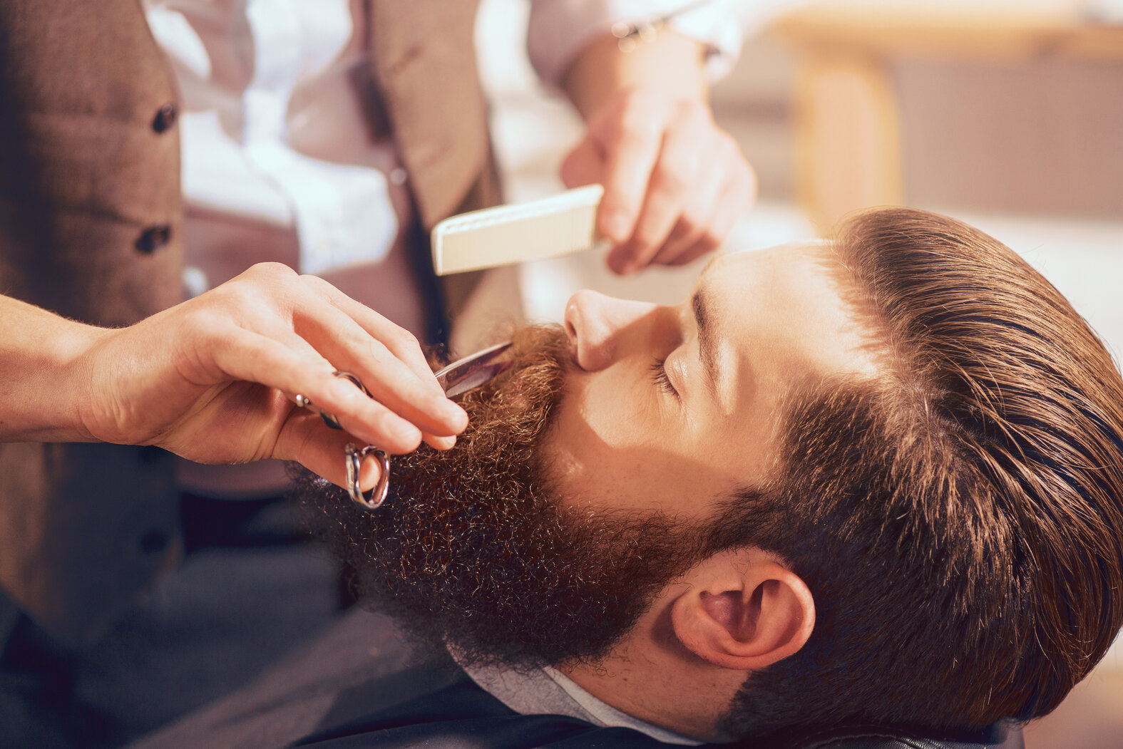 6 Great and Helpful Tips for Styling Your Beard