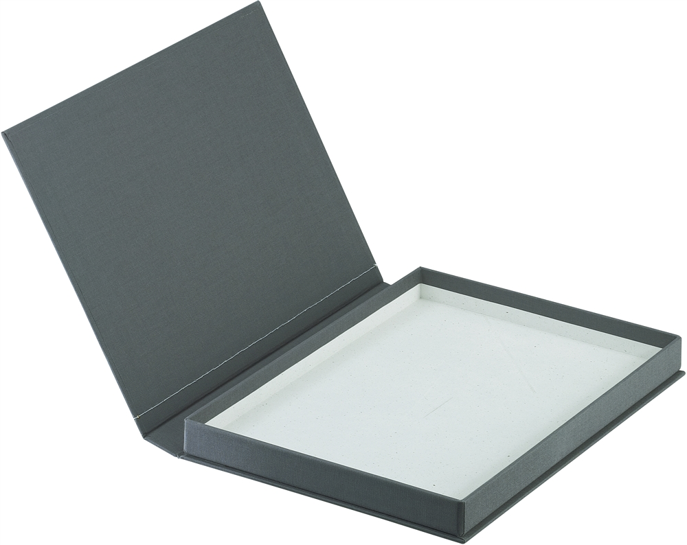 Catch More Traffic At Your Store with Custom Presentation Boxes