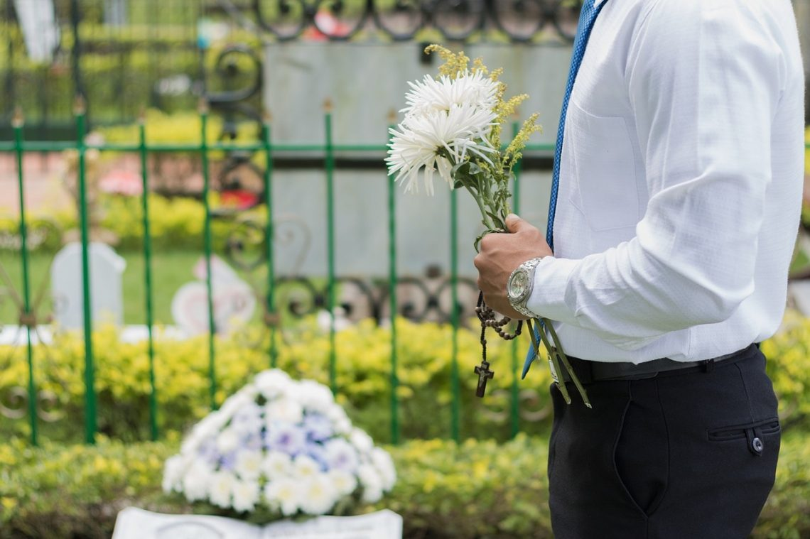 How to Make Funeral Planning a Stress-Free Experience