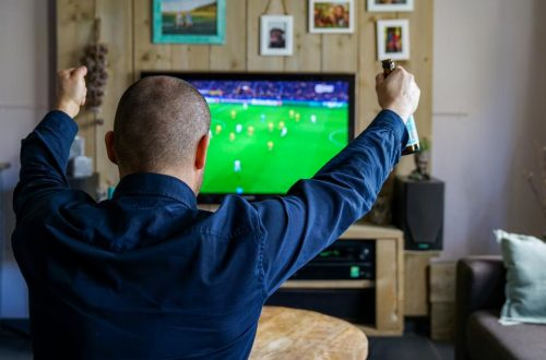 How Sports Loving Dads Can Make Extra Money with Your Hobby