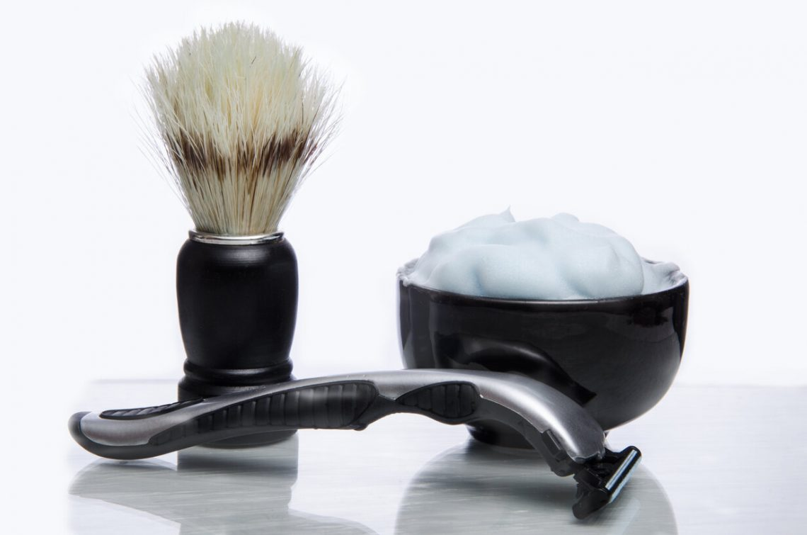4 Great Reasons to Switch to Traditional Razors