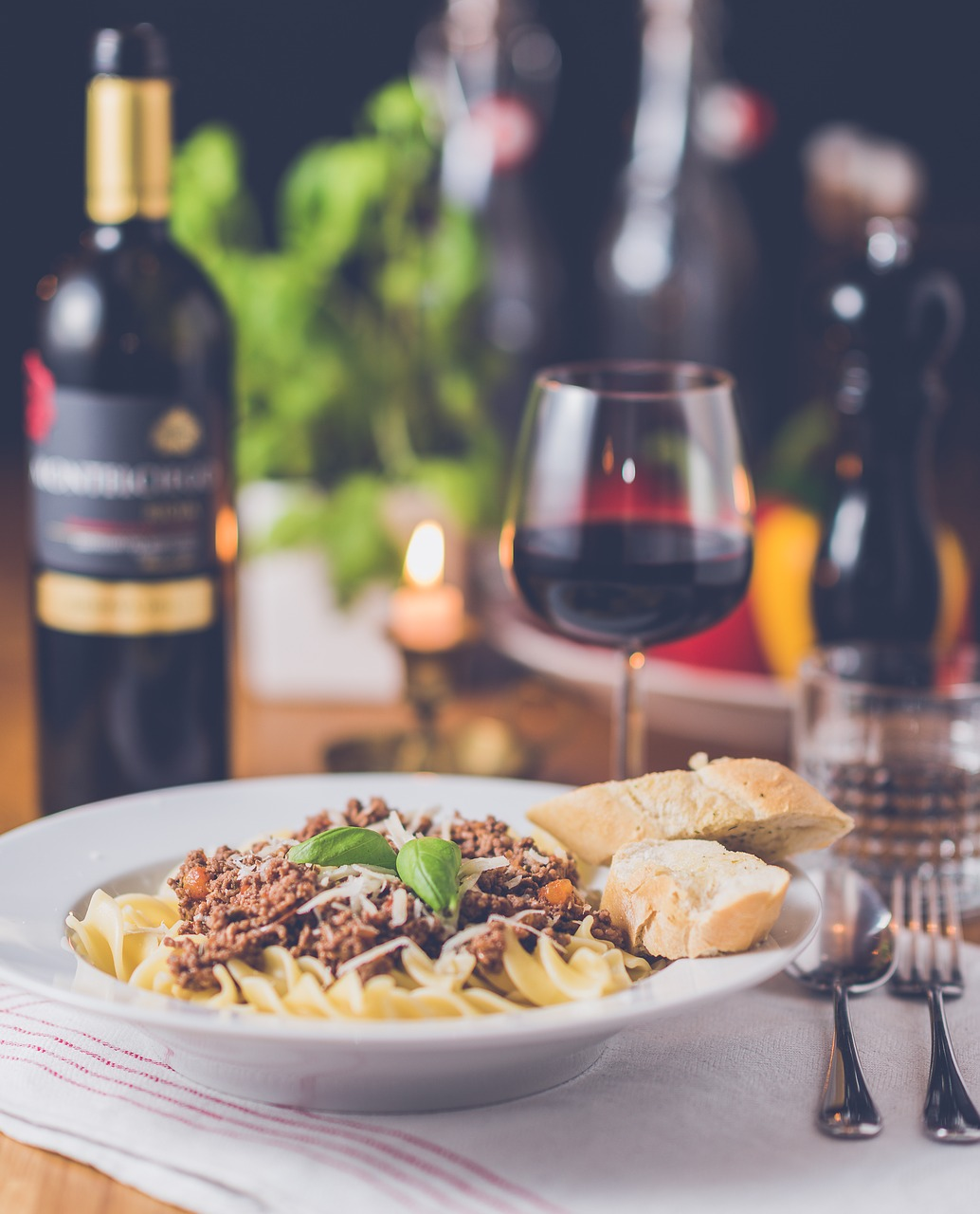Choosing The Right Snack and Wine Combination