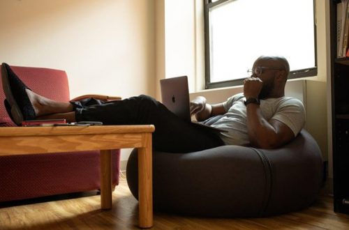 3 Ways to Create a Healthy Working Environment at Home