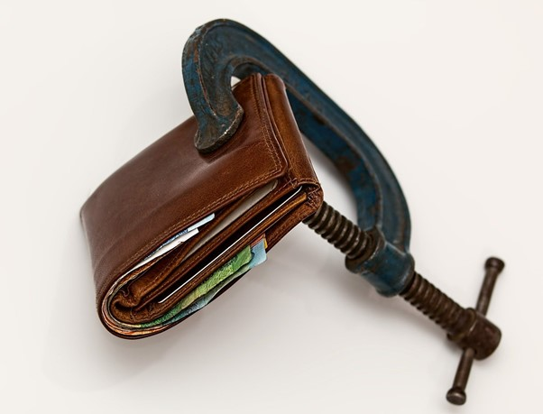 A Guide For Avoiding Financial Troubles